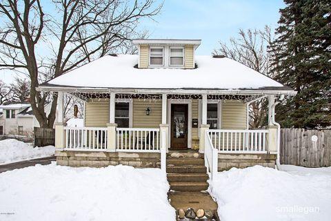Photo of 1364 Penn Ave Ne, Grand Rapids, MI 49505