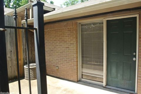 Photo of 218 N Taylor St Apt 11, Little Rock, AR 72205