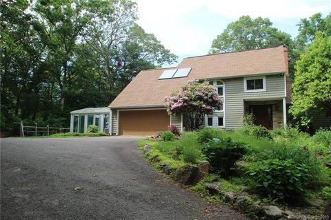 Photo of 147 Lorraine Dr E, Mansfield, CT 06268