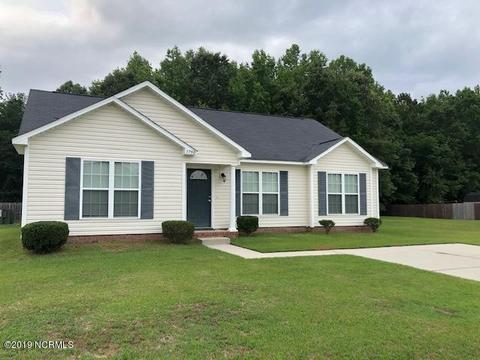3750 Countryaire Dr, Ayden, NC 28513