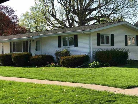 503 Sycamore St, New Windsor, IL 61465