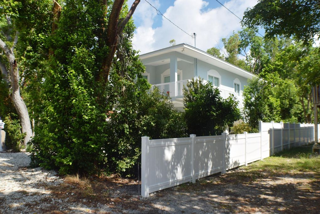 21 Pompano Ave, Key Largo, FL 33037 on map of sombrero beach, map of north ft myers, map of everglades np, map of biscayne park, map of st. marks, map of opa locka, map of big coppitt key, map of rainbow river, map of north bay village, map of indian key, map of glades county, map of diamonds, map of little conch key, map of pelican key, map of keaton beach, map of the keys, map of sigsbee park, map of pahokee, map of virginia key, map of cape kennedy,