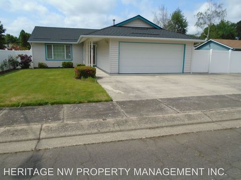 Photo of 247 Larkspur St, Lebanon, OR 97355