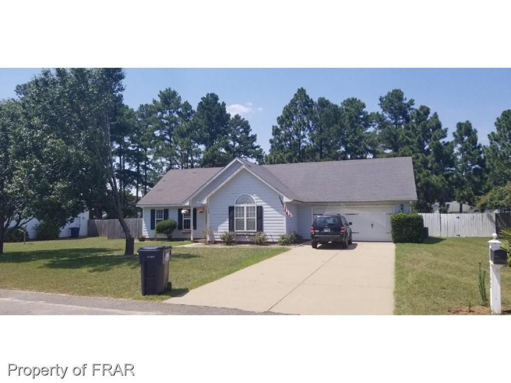 1542 Clan Campbell Dr, Raeford, NC 28376