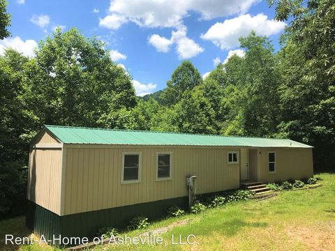 Photo of 36 White Oaks Dr, Leicester, NC 28748