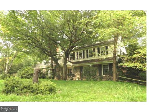 3652 Waynesfield Dr, Newtown Square, PA 19073