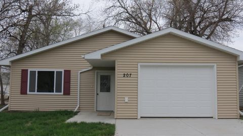 Photo of 207 Se 7th Ave, Aberdeen, SD 57401