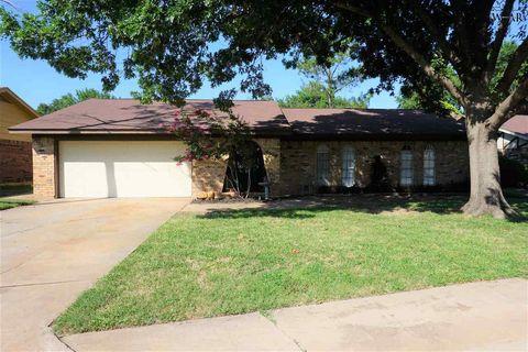 Photo of 4504 Trailwood Dr, Wichita Falls, TX 76310
