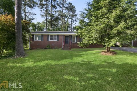 Photo of 1352 Laverte Cir Sw, Mableton, GA 30126