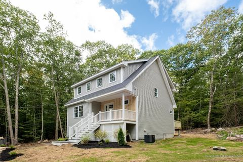 Photo of 44 Greenleaf Parsons Rd, York, ME 03902