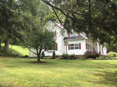 Photo of 701 Woodland Ave, Punxsutawney, PA 15767