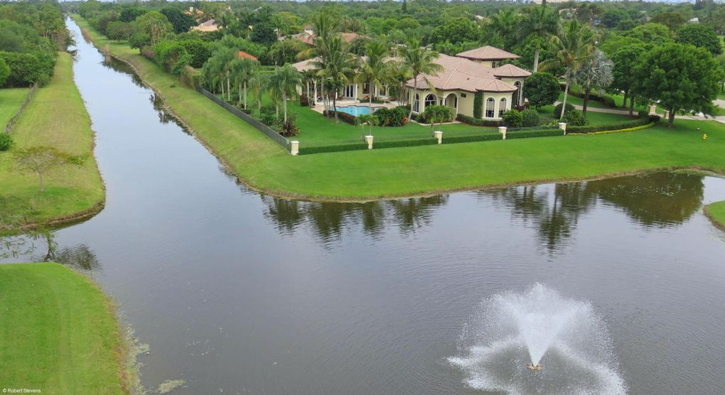 7956 Steeplechase Dr, Palm Beach Gardens, FL 33418