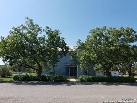 Photo of 1001 22nd St, Hondo, TX 78861