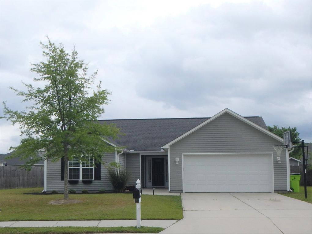 2833 Weathersby Dr New Bern, NC 28562