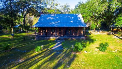 Photo of 815 Long Lake Rd, Nahunta, GA 31553
