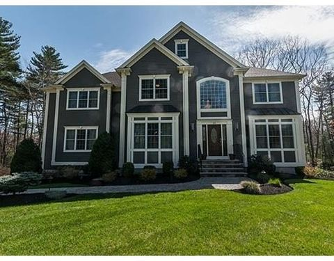 39 Little Meadow Way, North Reading, MA 01864