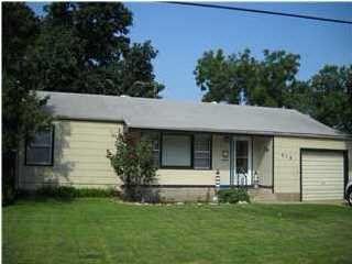 819 N Sherman St, Newton, KS 67114
