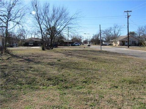 315 Water St, Whitesboro, TX 76273