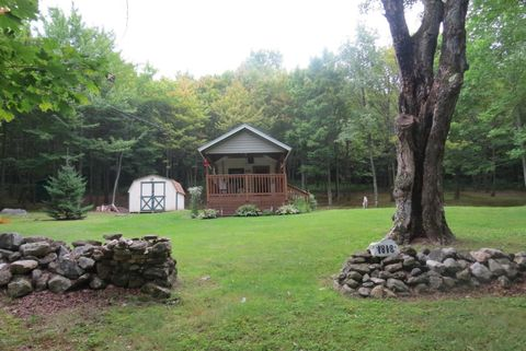 Photo of 1818 2 County Rd, Stamford, VT 05352