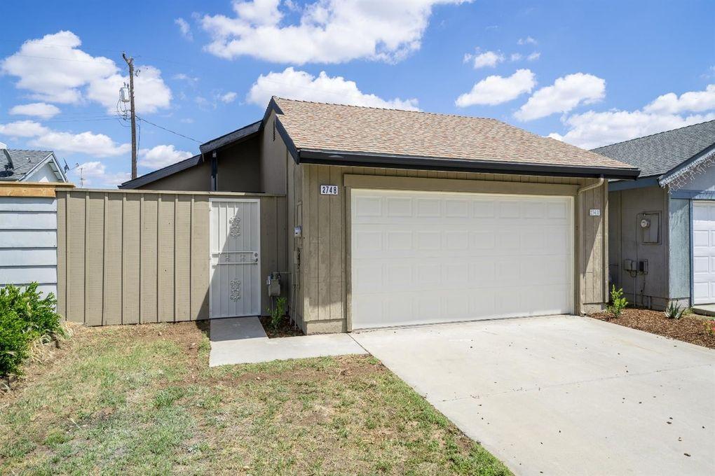 2748 N Selland Ave, Fresno, CA 93722