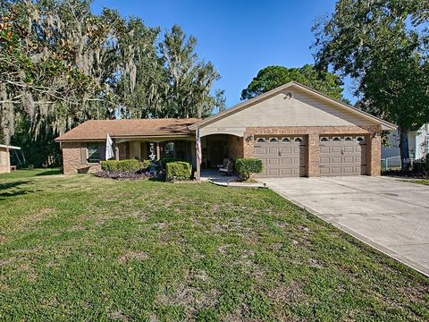 Photo of 8049 Sunset Dr, Yalaha, FL 34797