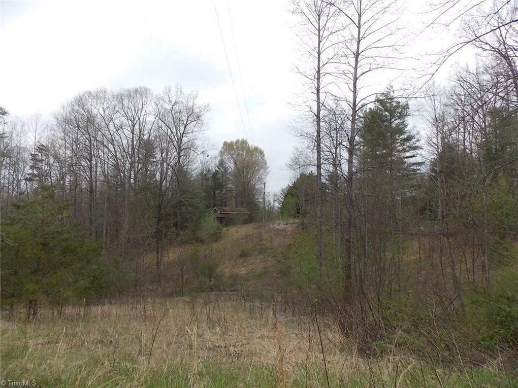 160 Oak Acres Ln Mount Airy, NC 27030