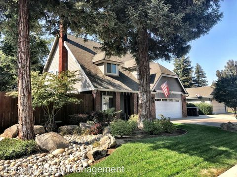 Photo of 1331 S Atwood Ct, Visalia, CA 93277