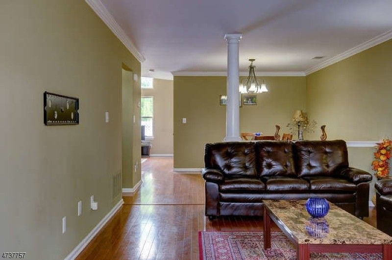 15 stillwell ct bridgewater nj 08807 interior design for Interior decorator ct