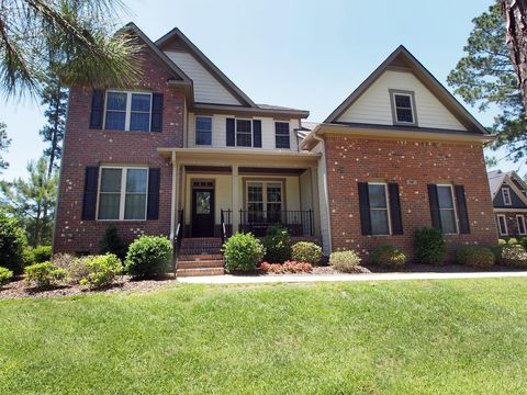Photo of 74 Plantation Dr, Southern Pines, NC 28387