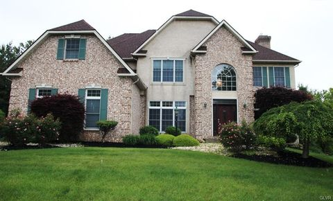 5250 Pineview Dr, Upper Saucon Township, PA 18034