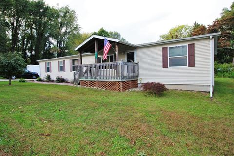 117 Holly Dr, Walkerton, IN 46574