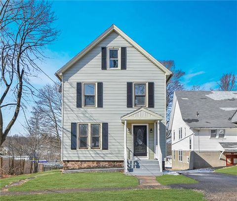 Photo of 9 Wall St, Middletown, CT 06457