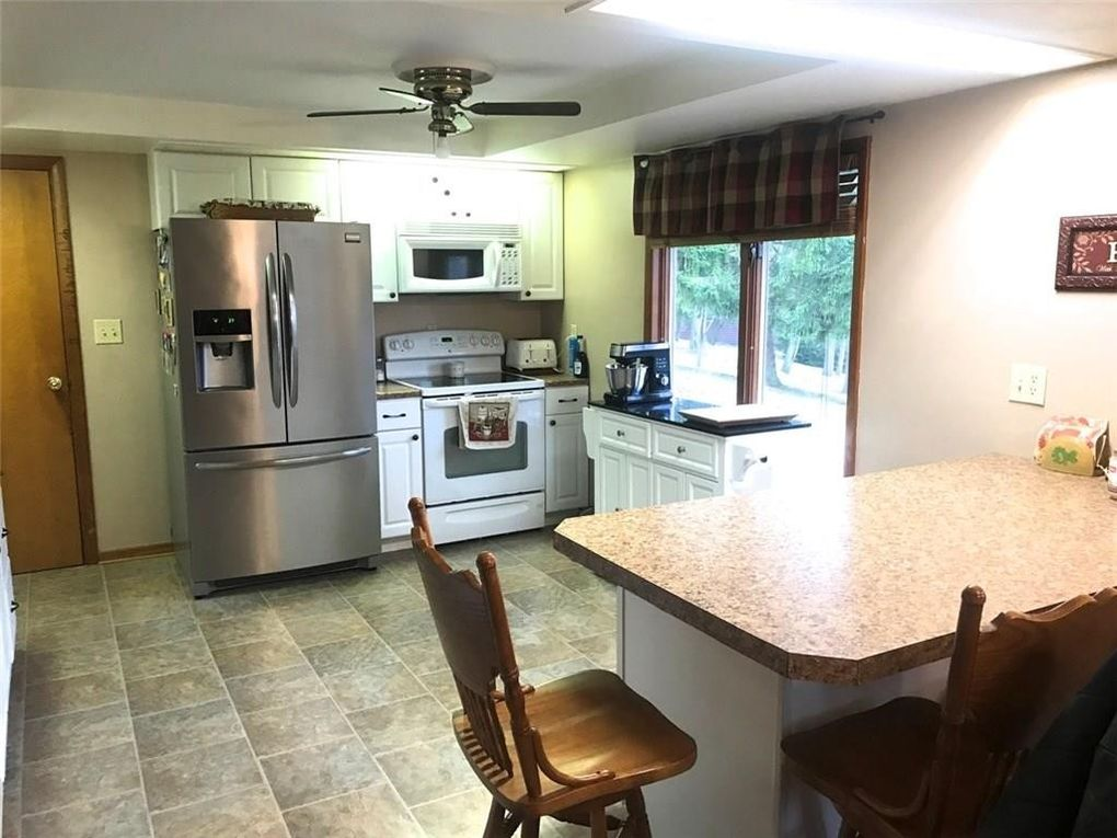 3648 North Dr, Greenville, OH 45331