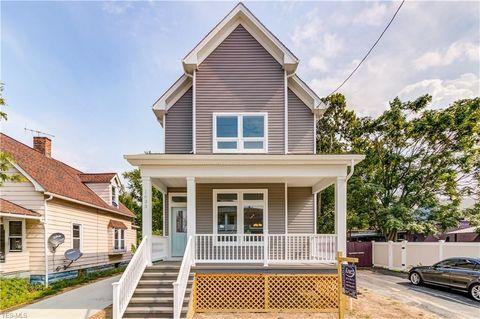 1635 Hopkins Ave, Lakewood, OH 44107