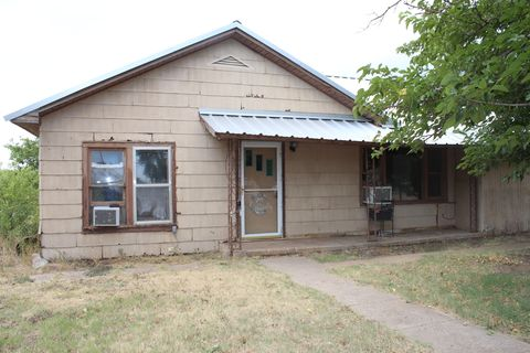 Photo of 1121 Stewart, Matador, TX 79244