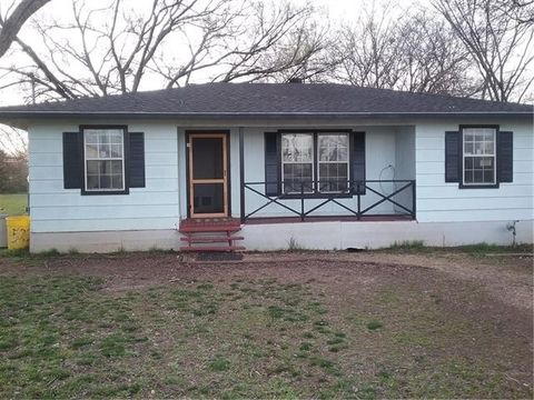 Photo of 523 N Bryant Ave, Midlothian, TX 76065