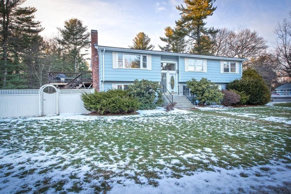 36 Eisenhower Rd Framingham, MA 01701