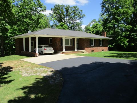 Photo of 2383 Buffalo Rd, Hohenwald, TN 38462