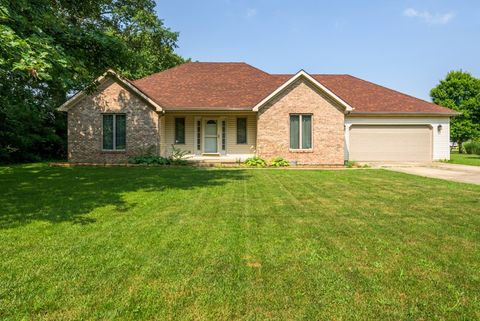 Photo of 402 S Olive St, Farmland, IN 47340