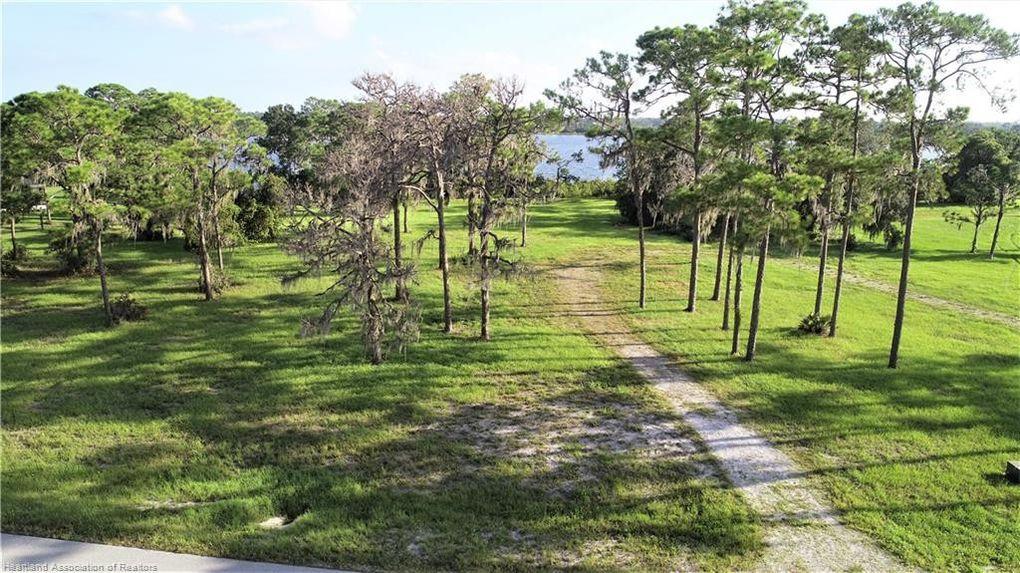 4060 Camp Shore Dr Sebring, FL 33875