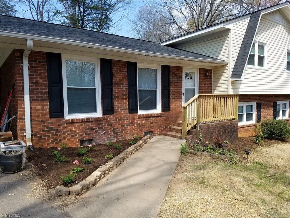 241 Regency Dr, Reidsville, NC 27320