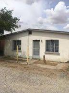 213 NW Fassett St Fabens, TX 79838