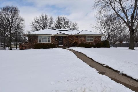 Photo of 500 W 34th St, Higginsville, MO 64037