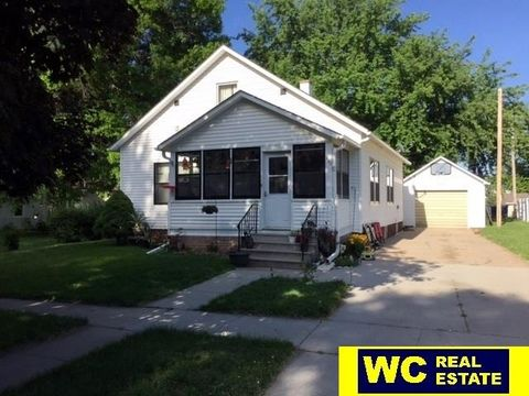 330 N 2nd St, Arlington, NE 68002