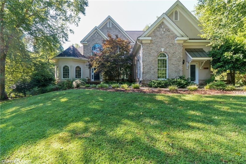 Property For Sale On Willow Ridge