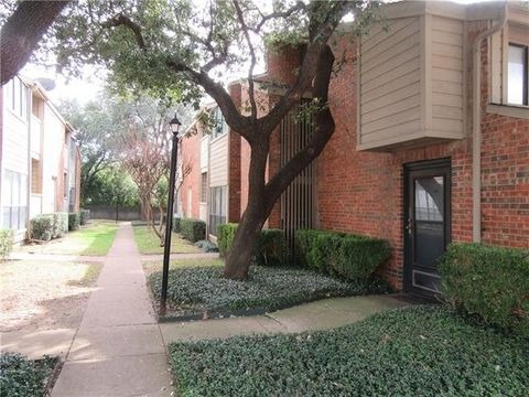 Photo Of 9254 Forest Ln Apt 303 Dallas Tx 75243 Townhome For Rent