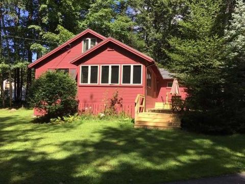 Photo of 10 Red Gate Rd, Tuftonboro, NH 03850
