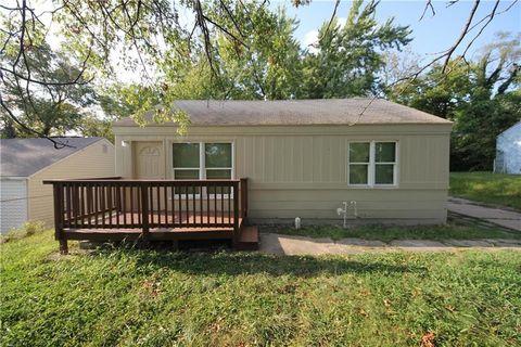 1626 Holt Ln, Kansas City, KS 66102