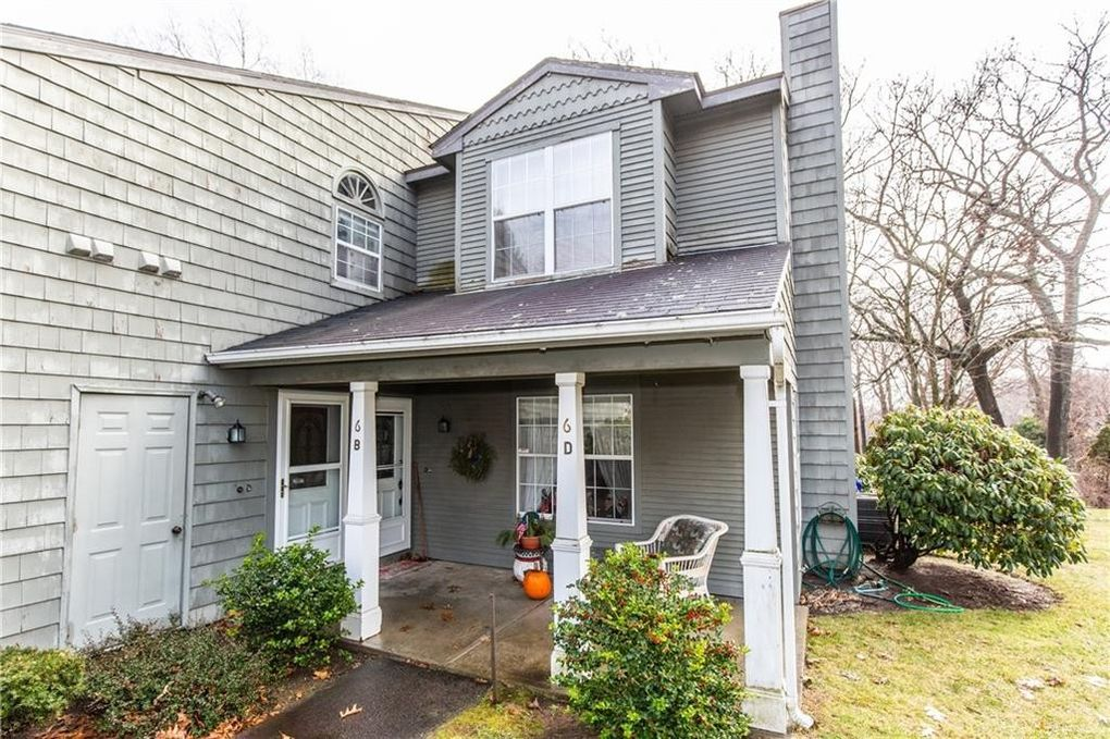 6 Nipmuc Trl Unit D North Providence, RI 02911