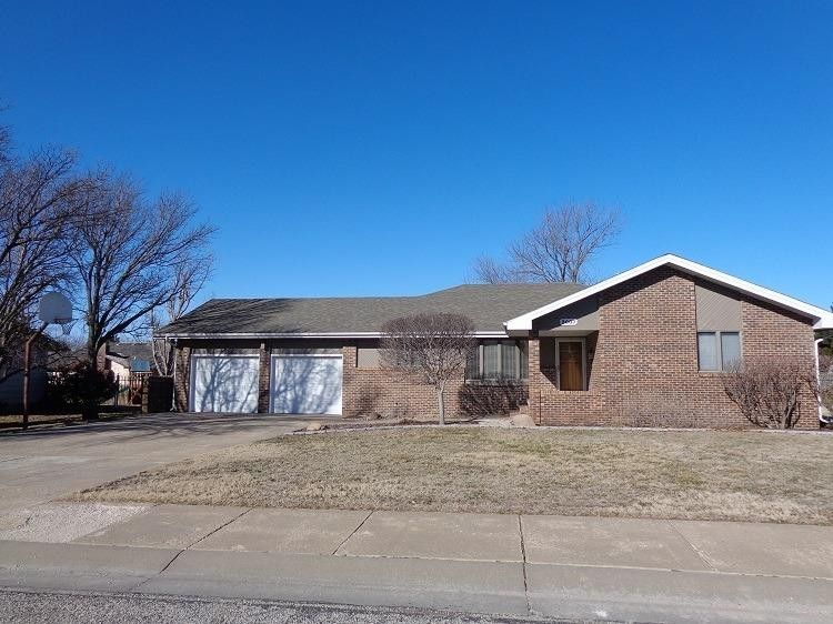 3007 Cherry Hill Dr Hays, KS 67601